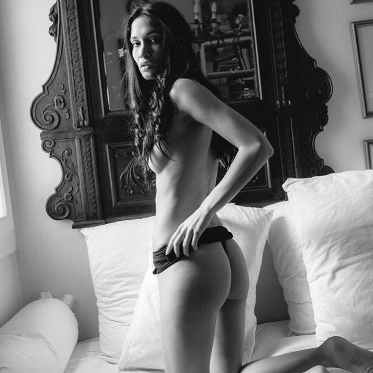 Черно-белая серия эротических фотографий от Марко Мичиелетто