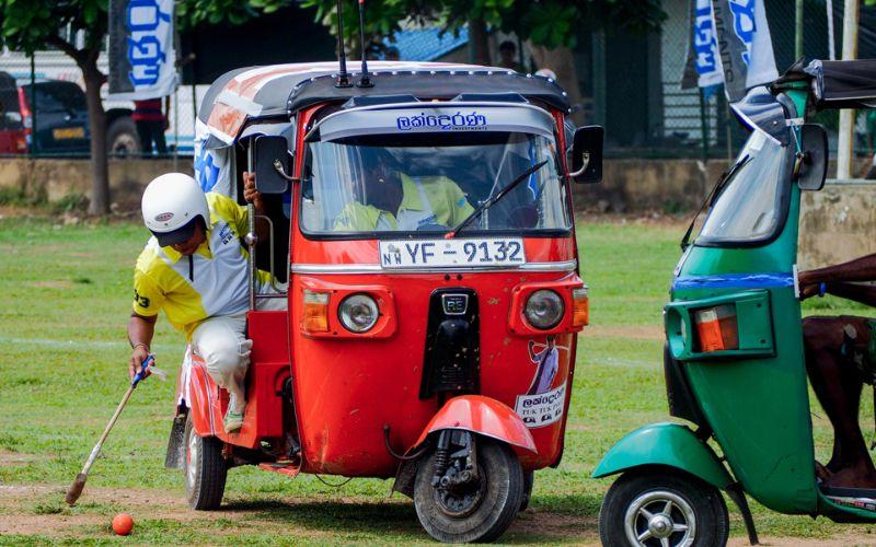 Поло на тук-туках на Шри-Ланке