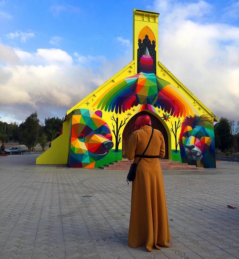 Стрит-арт на заброшенной церкви в Марокко