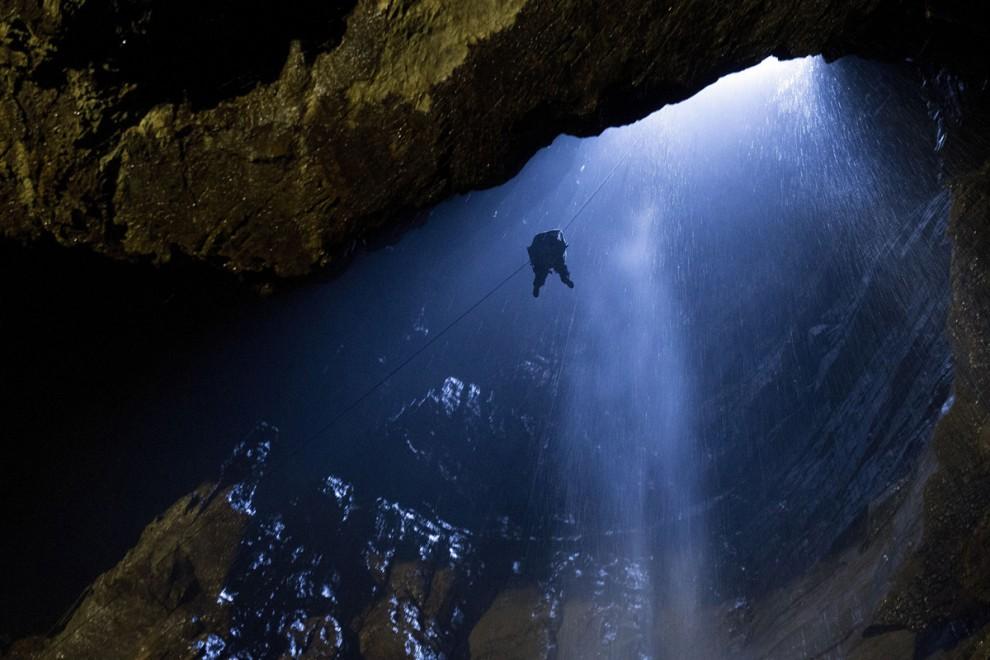 Пещеры и подземелья со всего мира