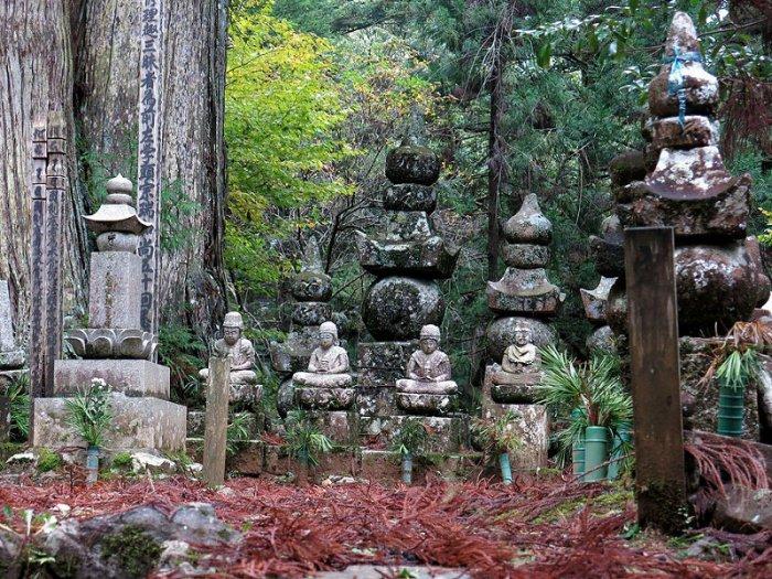 Самое большое кладбище в Японии