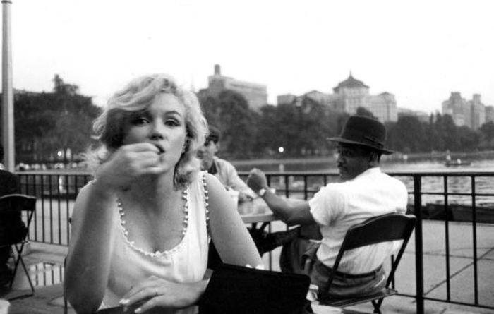То, что никогда не меняется: взгляды на красивых женщин