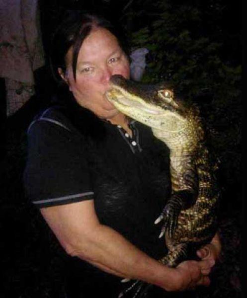 Американская байкерша 11 лет живет с ручным аллигатором