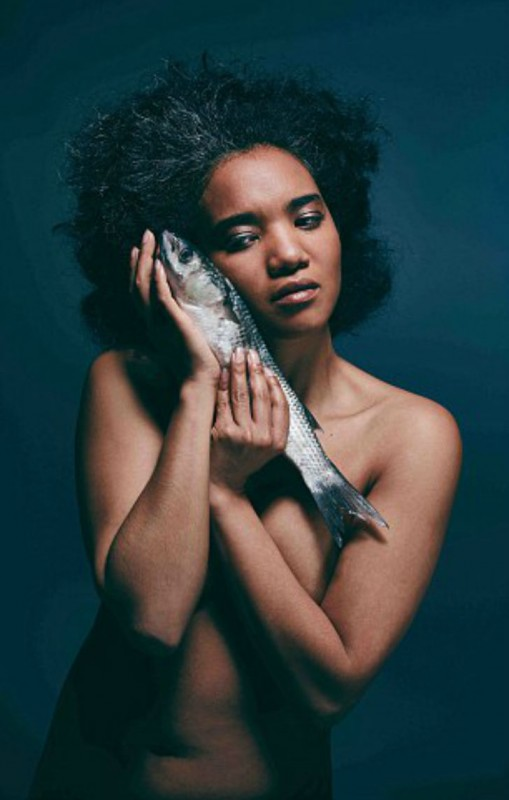 Британские знаменитости разделись в защиту вымирающих видов рыб