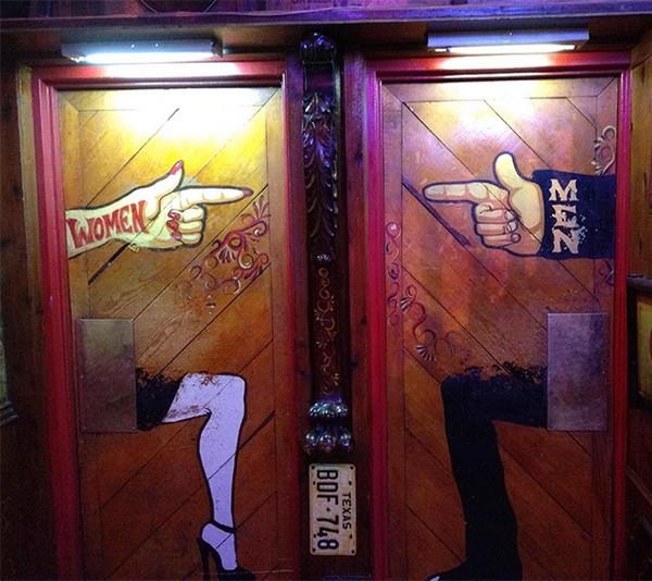 Прикольные и креативные туалетные знаки