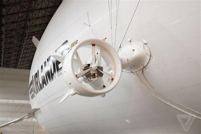 Самый большой в мире дирижабль Airlander 10 готовят к испытаниям