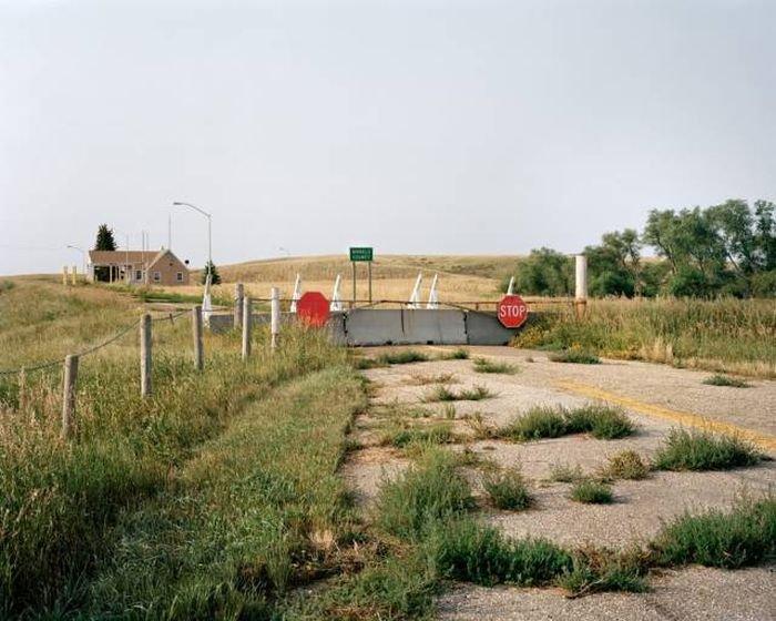 Необычные фото границы США и Канады
