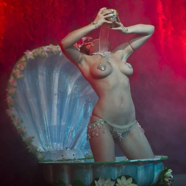 Подборка фотографий с эротических шоу