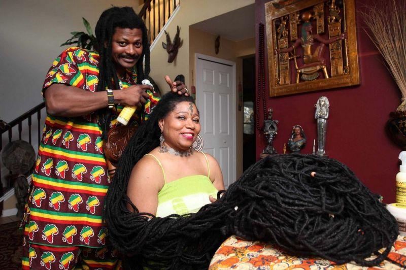 Раста-Рапунцель вышла замуж за своего парикмахера