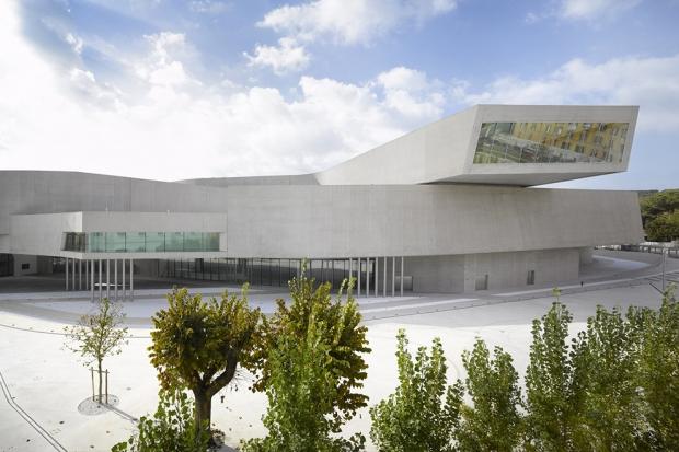 10 работ первой женщины-архитектора Захи Хадид
