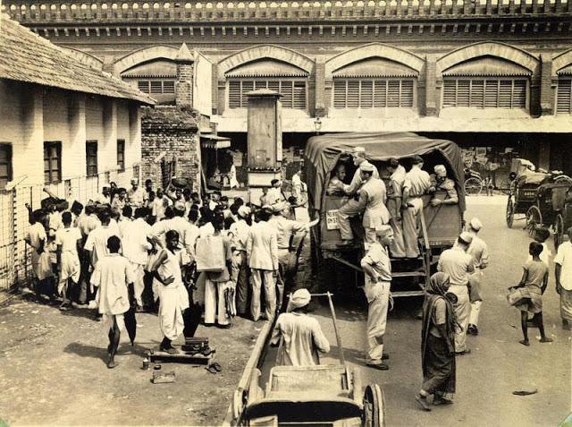 Калькутта 70 лет назад: 60 ретро фотографий повседневной жизни