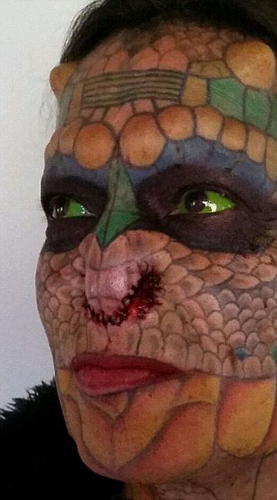 55-летний трансгендер превратил себя в дракона