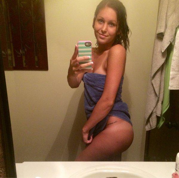 Красивые девушки после ванной