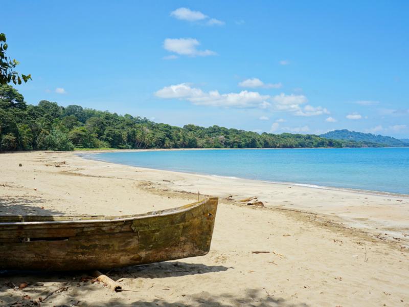 10 нудистских пляжей в мире