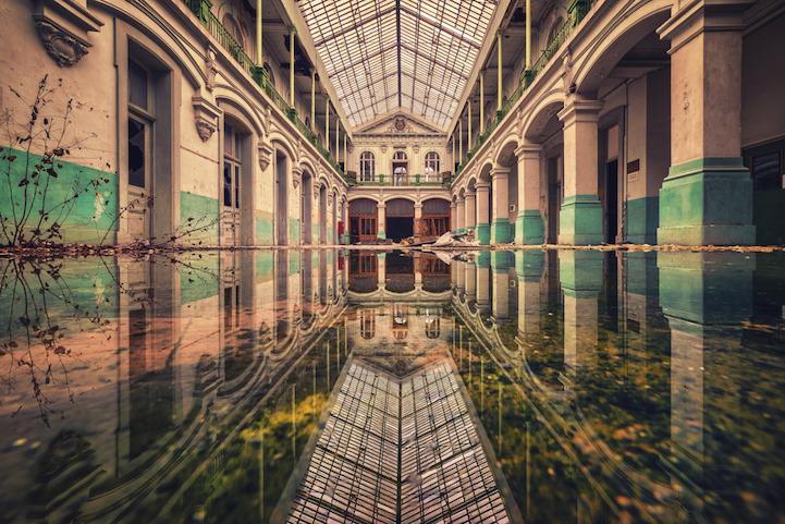 Эстетика заброшенных зданий от Маттиаса Хакера