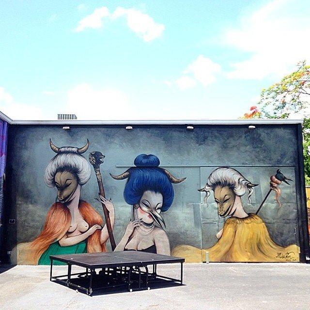 10 работ уличных художниц, увлеченных творчеством Бэнкси