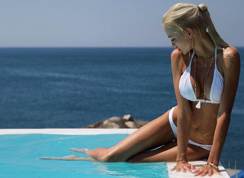 Красивые девушки в купальниках от Kenneth Lysgaard