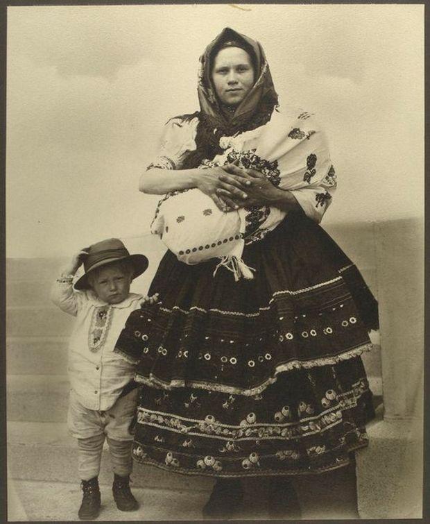 Как выглядели мигранты в США 100 лет назад