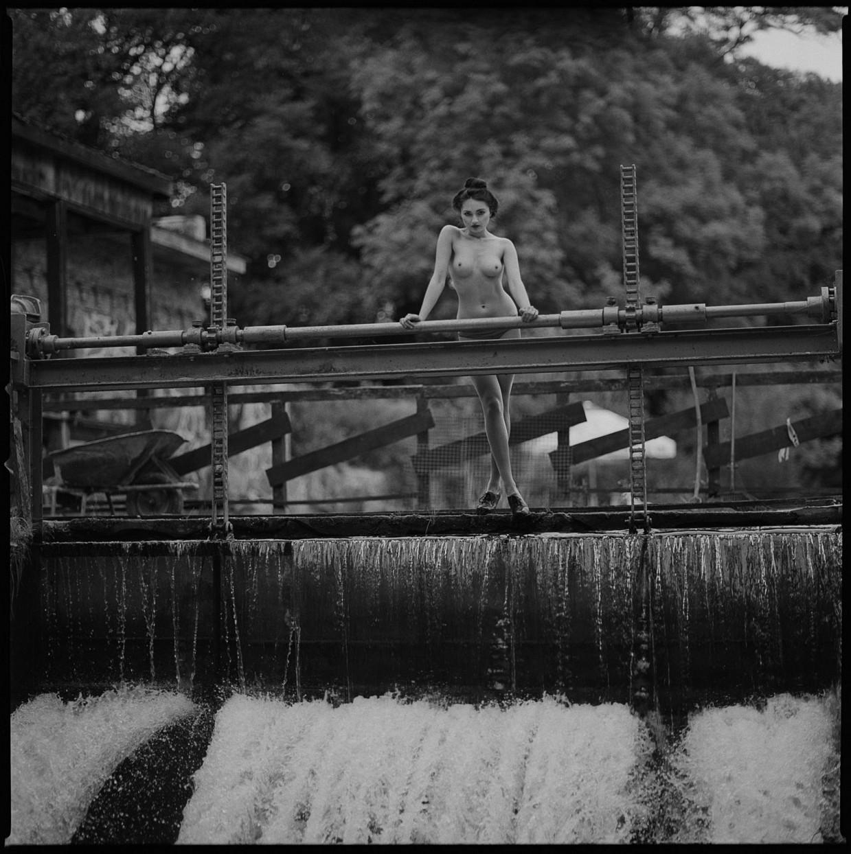Эротические плёночные фотографии от Радослава Пуяна