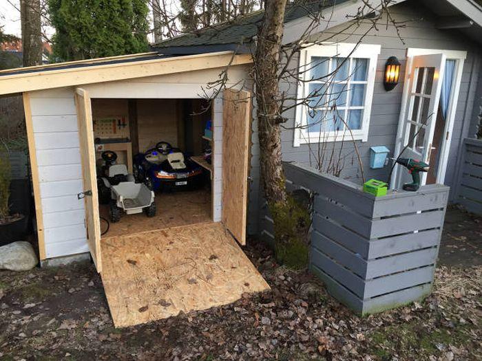 Мини-гараж для будущего мужчины