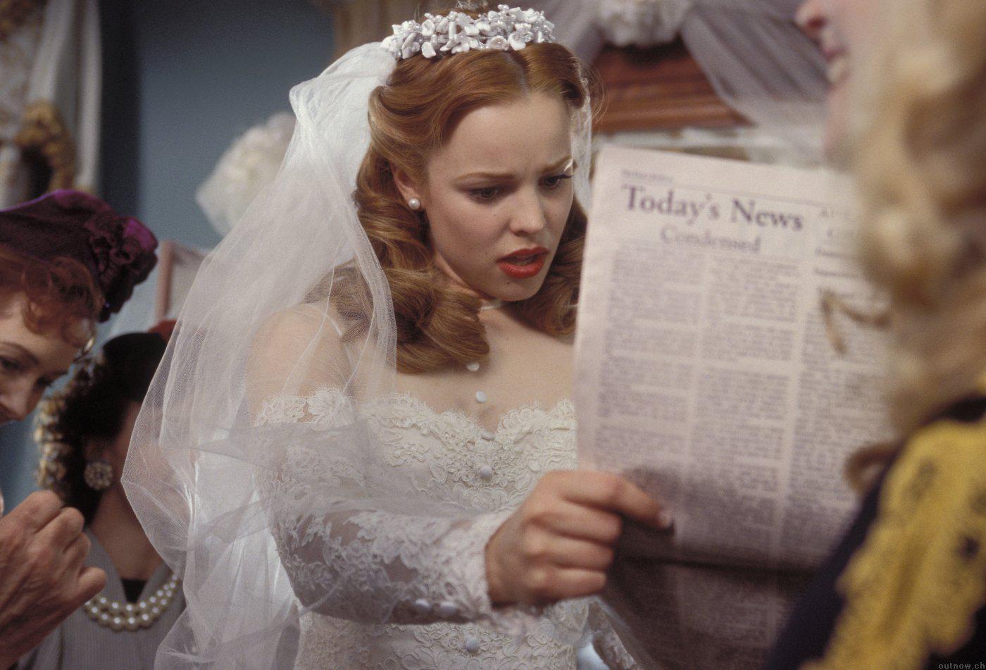 Знаменитые блондинки Голливуда, удачно примерившие темный цвет волос