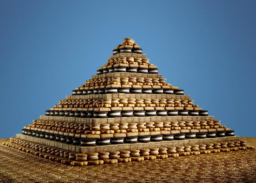 Архитектура из конфет, печенья и жевательных пластинок