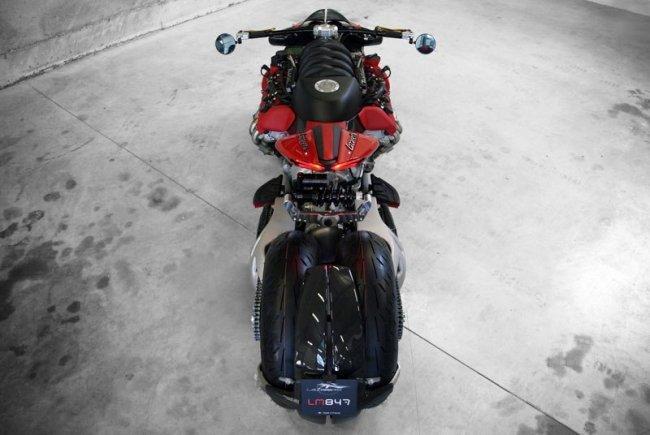 Мотоцикл с двигателем от Мазерати V8