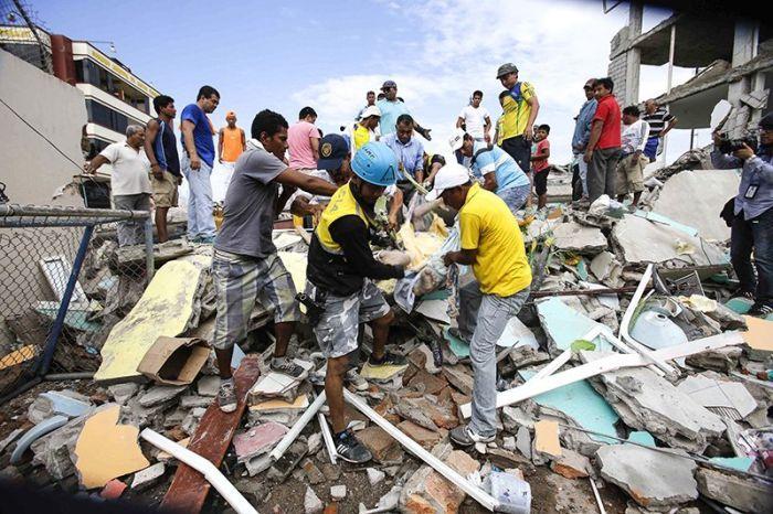Последствия сильнейшего землетрясения в Эквадоре