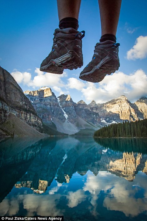 Когда ноги в кадре позволяют оценить всю грандиозность пейзажа