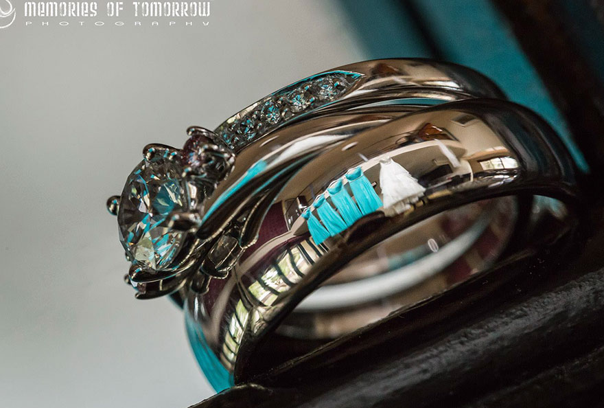 Фотограф придумал интересный способ снимать свадьбы
