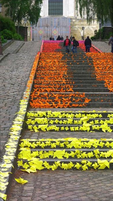32 фотографии лестничного декора из разных городов мира