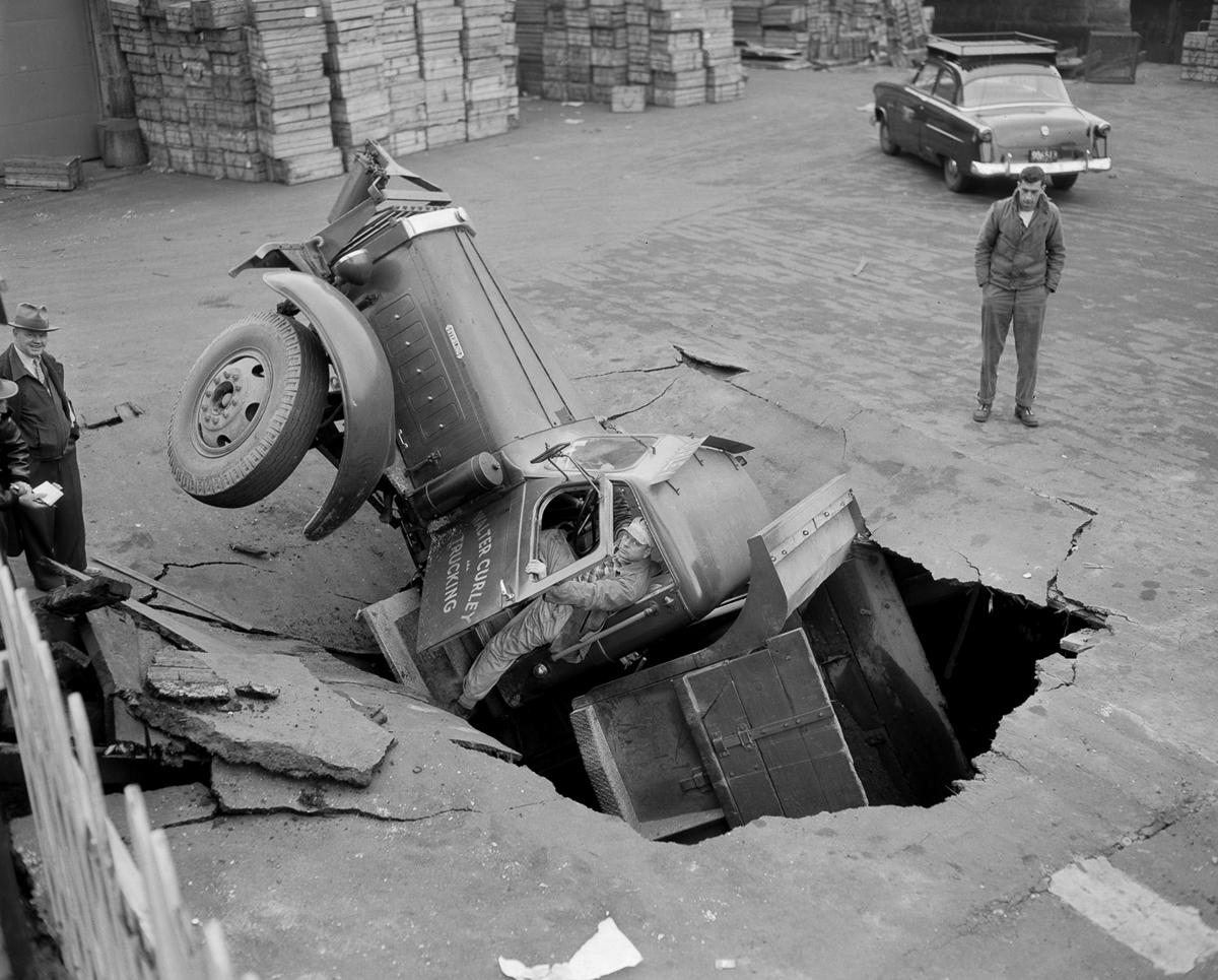 Автомобильные аварии Бостона в 1930-х годах от фотографа Лесли Джонса