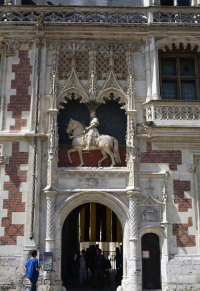 Королевский замок Блуа во Франции