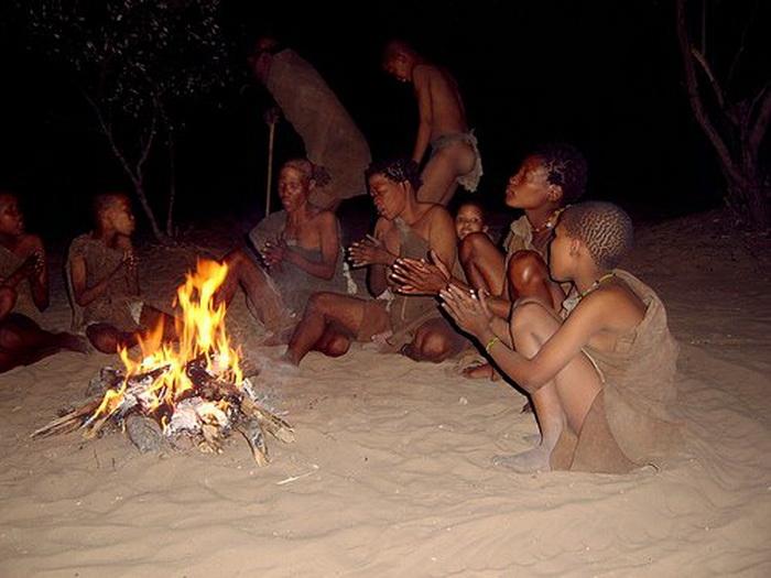 Дикое африканское племя Кунг, прославившееся мистическими ритуалами
