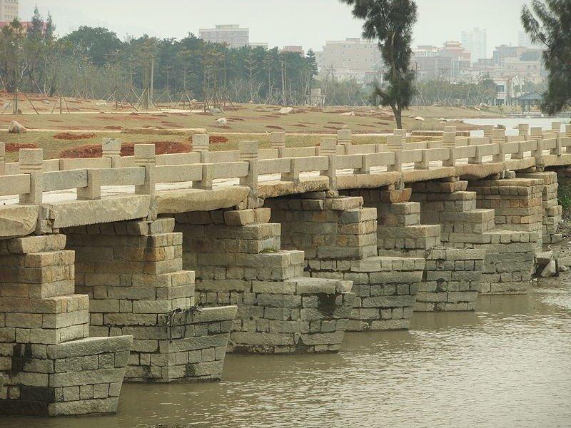 Самый длинный древний мост Аньпин в Китае