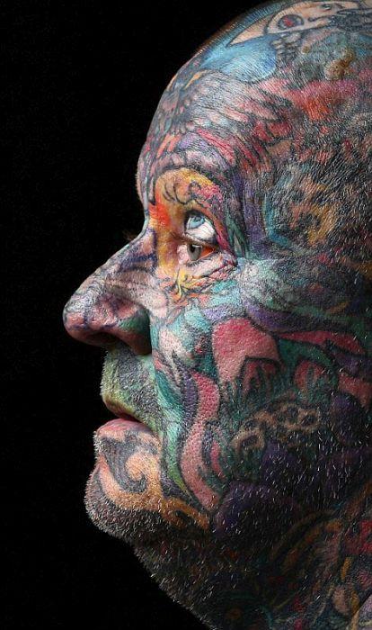 Австралиец покрыл татуировками все свое тело