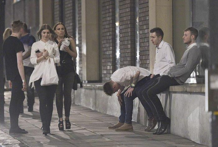 Британская молодежь и попойка на первомайские выходные