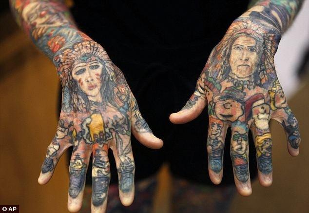 Самая татуированная женщина в мире
