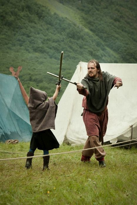 Традиционный норвежский фестиваль викингов в деревне Гудванген