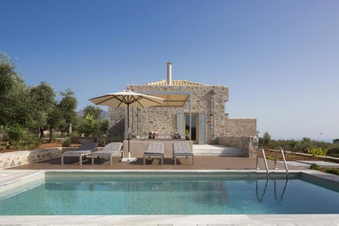 Вилла на берегу средиземного моря