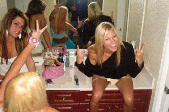 Забавные снимки и фейлы с девушками