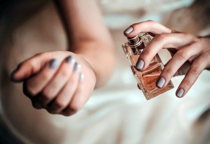 6 мест на теле, куда лучше наносить парфюм