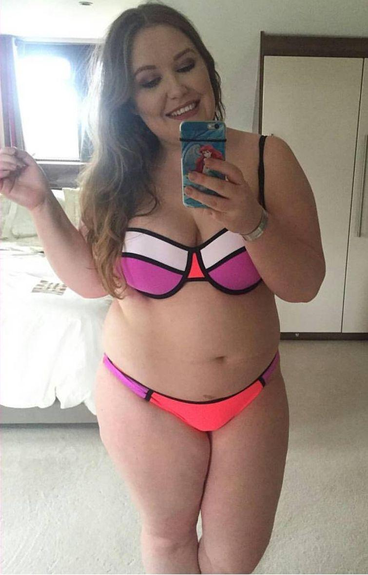 Полные женщины в купальниках, которые не стесняются показать своё тело таким, какое оно есть