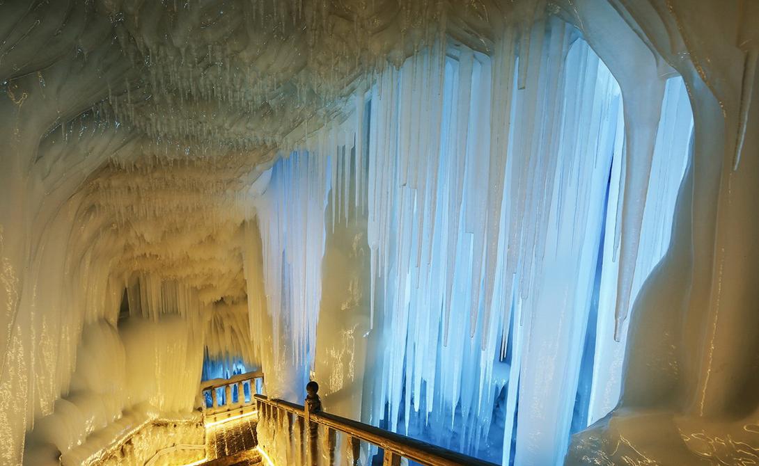 Подземное ледяное царство в Китае