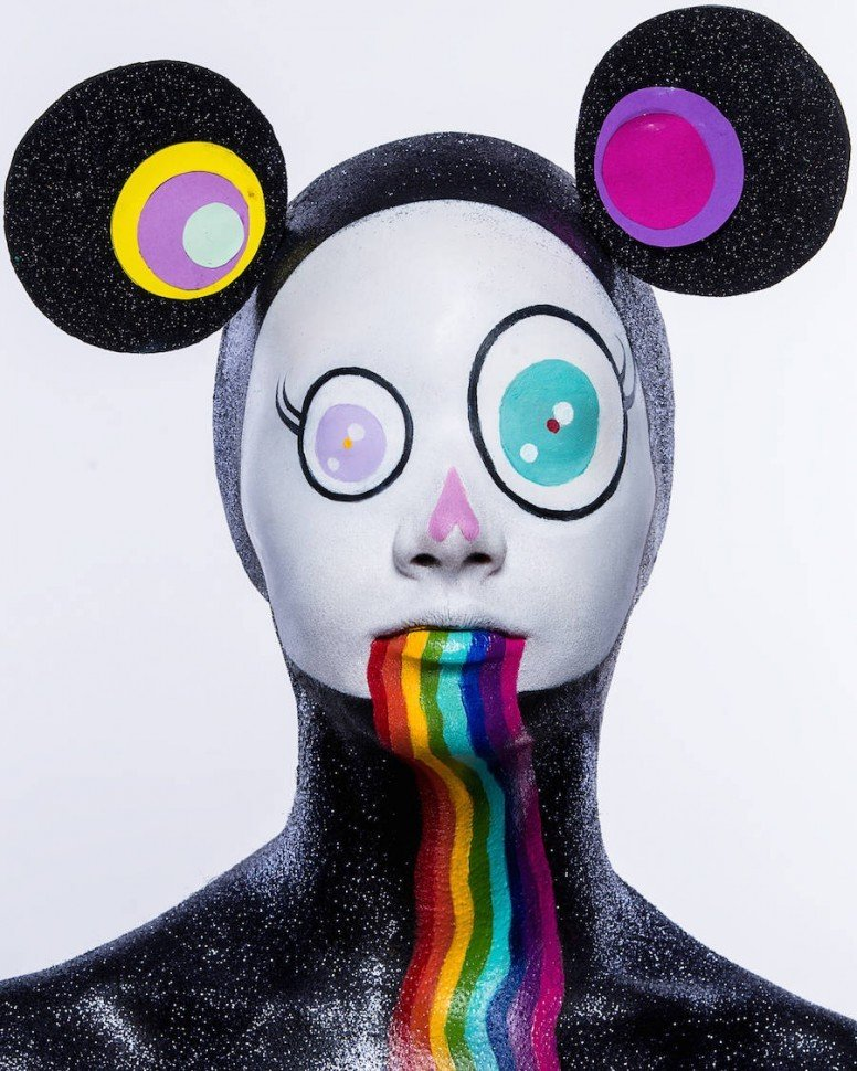 Психоделический боди-арт, отражающий творчество Такаси Мураками