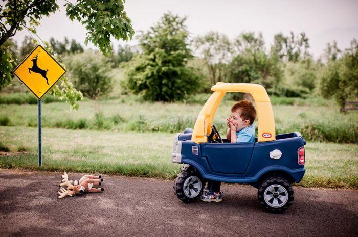 Забавная фотосессия о взрослой жизни одного малыша