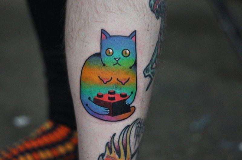 Татуировки для любителей котиков и космоса