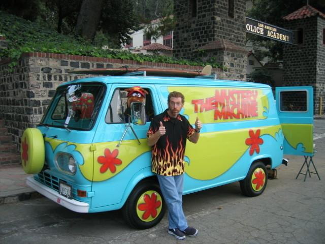 Когда автомобили из культовых фильмов выезжают на улицы
