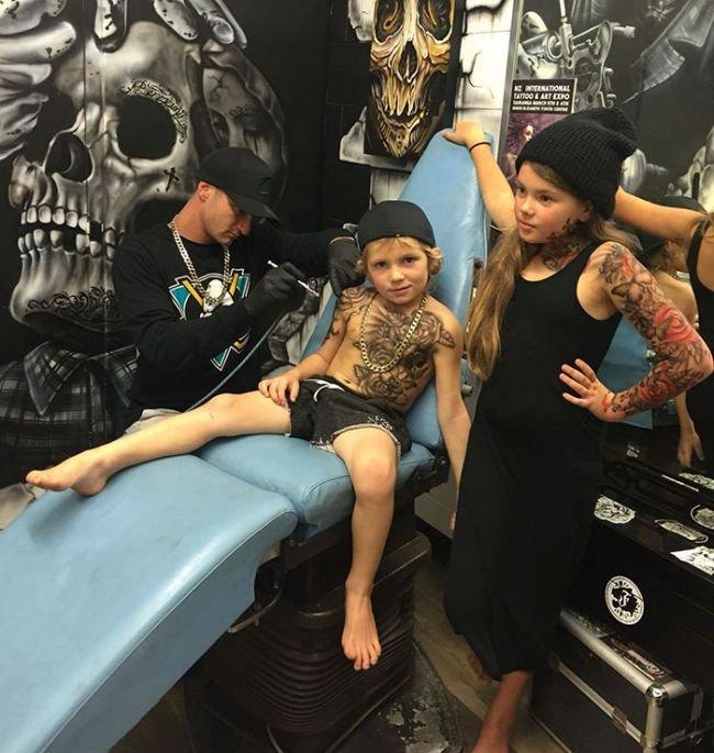 Тату мастер из Новой Зеландии порадовал пациентов детского госпиталя