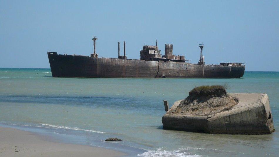 12 затонувших кораблей, на которые можно посмотреть без акваланга